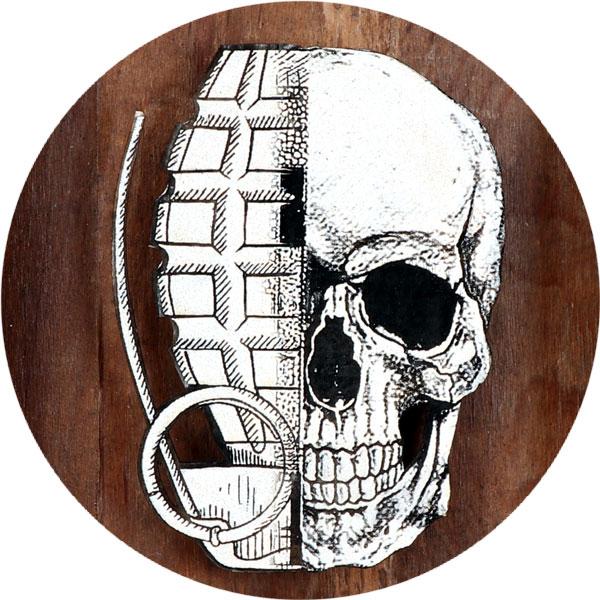 He Skull (Wood Edition) Nahaufnahme - FancyPics